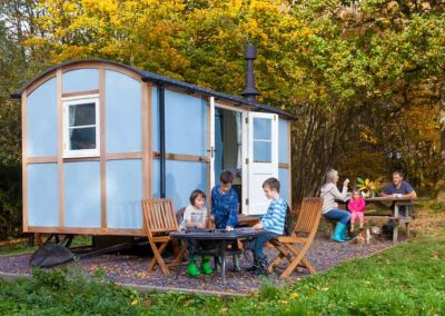 Shepherds-hut-woodland-4
