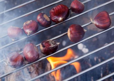 Shepherds-huts-barbecue-chestnuts-2