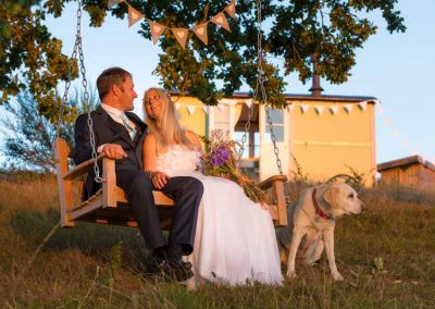 Shepherds-huts-weddings-1