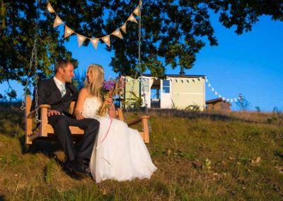 Shepherds-huts-weddings-2