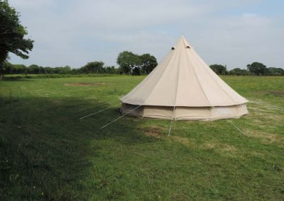 meadow-bell-tent-peaceful-retreat