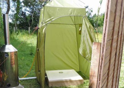 meadow-bell-tent-shower