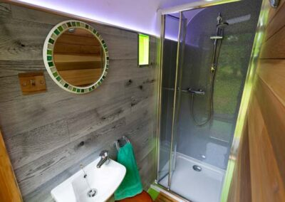 Vintage horsebox heated showers for Stargazer tent and Touareg tent glamping near Eurotunnel, Canterbury and Dover in Kent